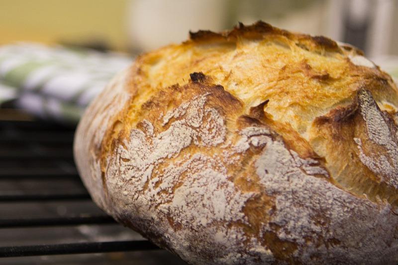 no-knead-crusty-bread-2.jpg